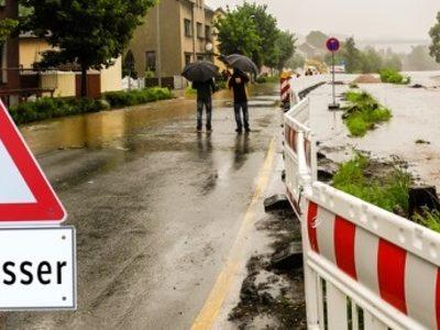 Hochwasser Schild 7 zu 3